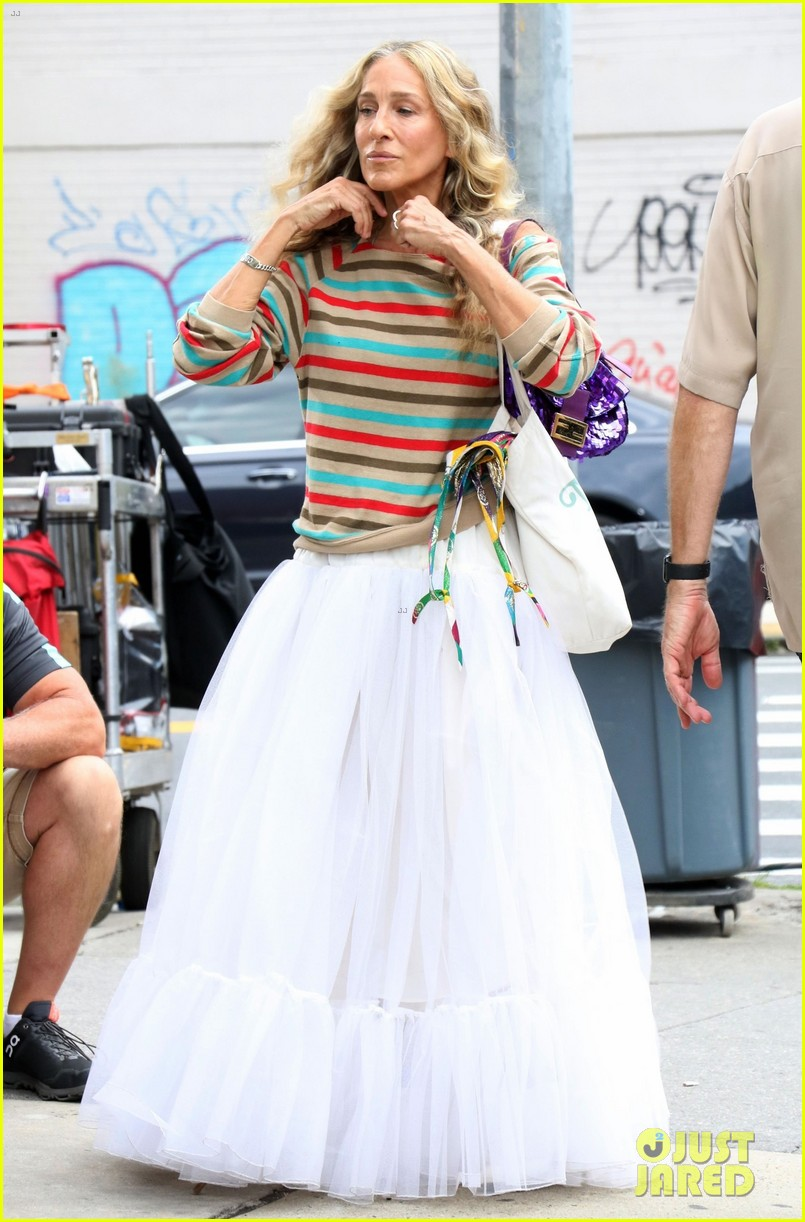 sarah jessica parker striped sweater white dress and just like that 054611523