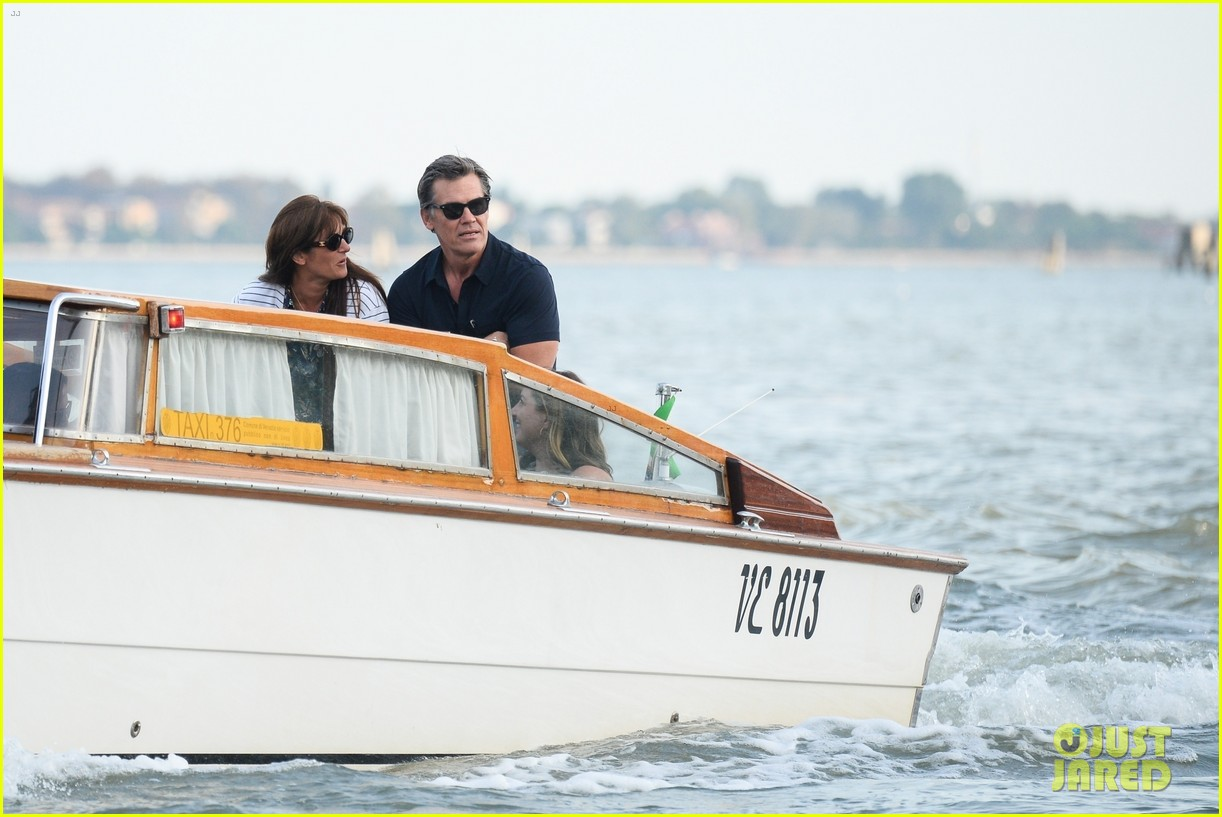 josh brolin boards water taxi to sightsee in venice 014617246