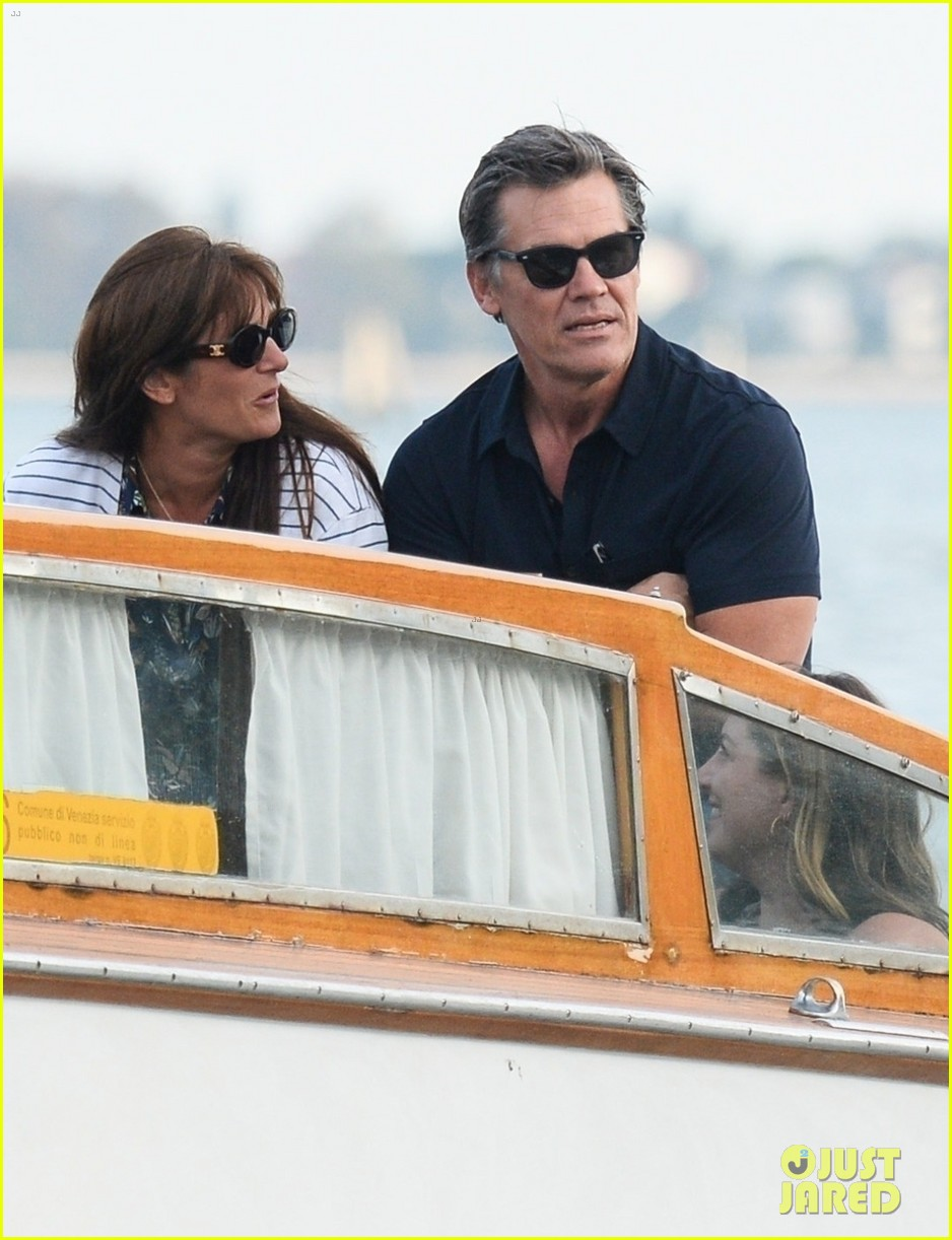 josh brolin boards water taxi to sightsee in venice 044617249