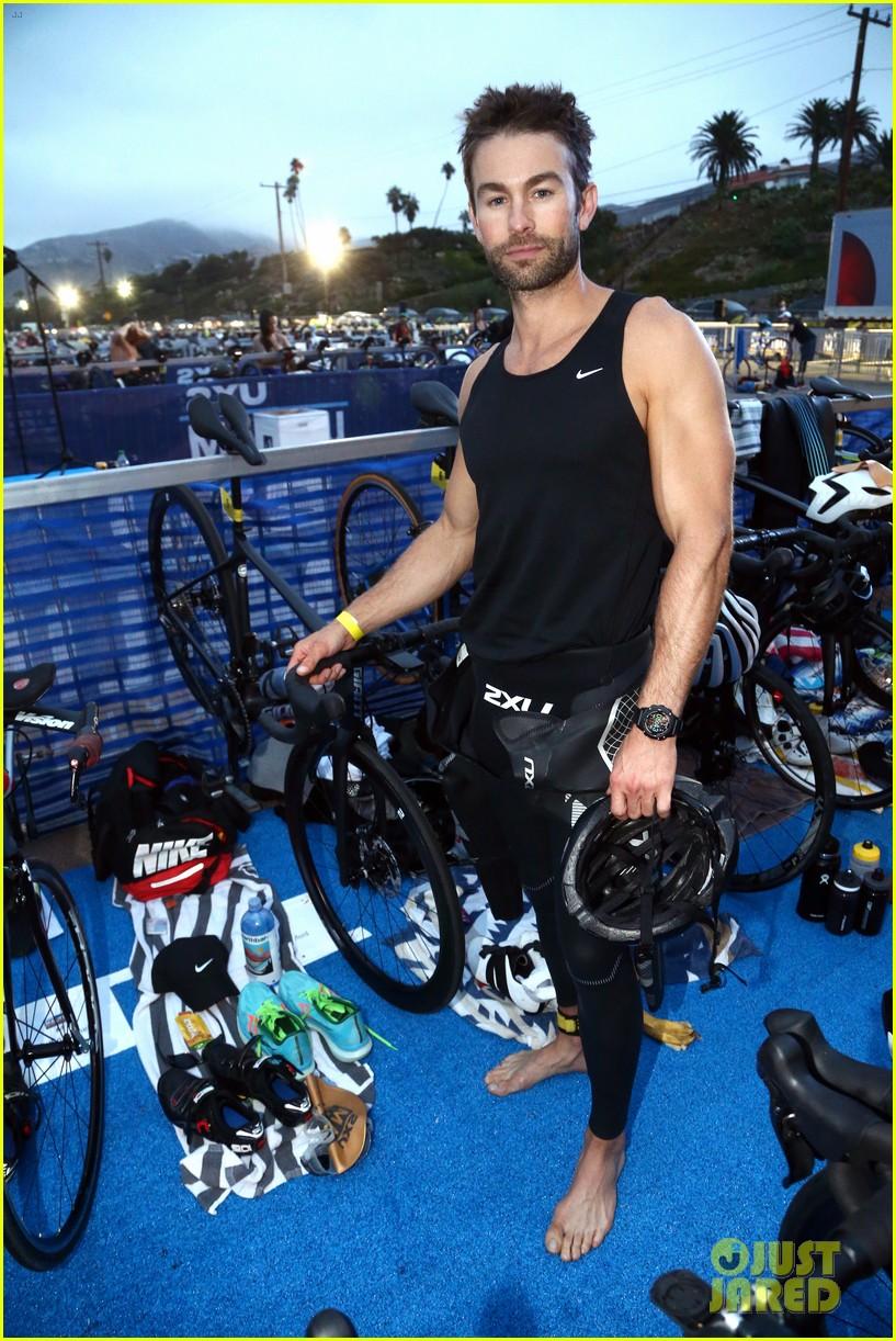 chace crawford dylan efron max greenfield malibu triathlon 014633538