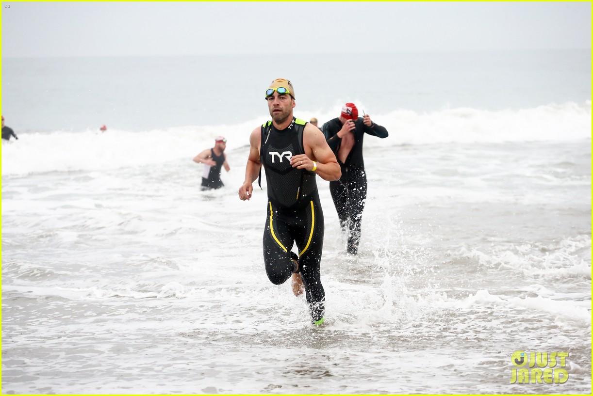 chace crawford dylan efron max greenfield malibu triathlon 044633541