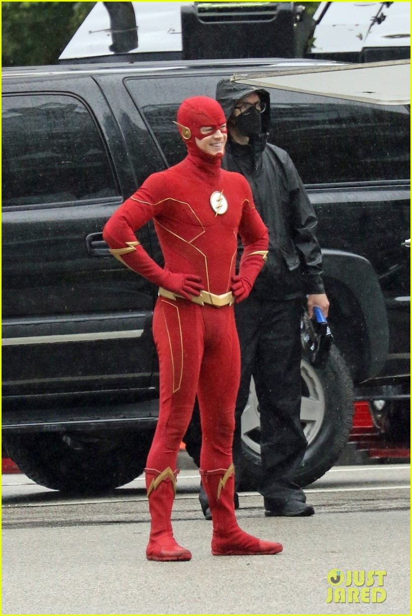 grant gustin photographed on the flash set for first time in season 8 114624670