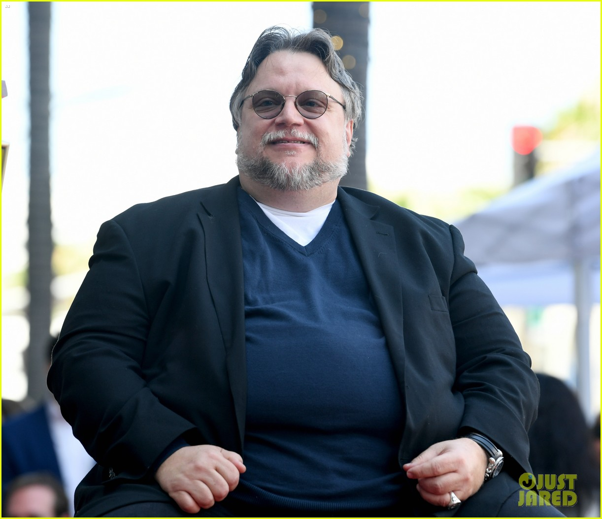 guillermo del toro finds cast for netflix anthology 024614381