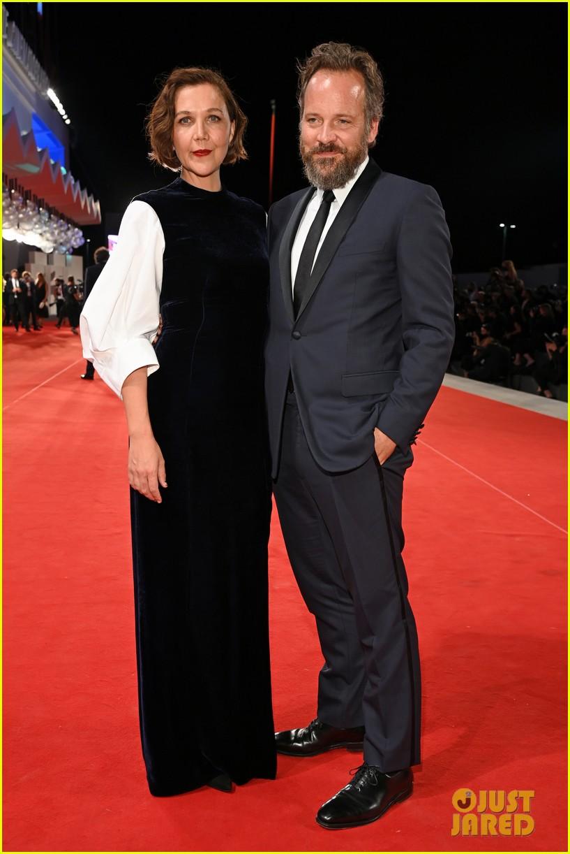 jake gyllenhaal maggie gyllenhaal venice film festival premiere 044614878