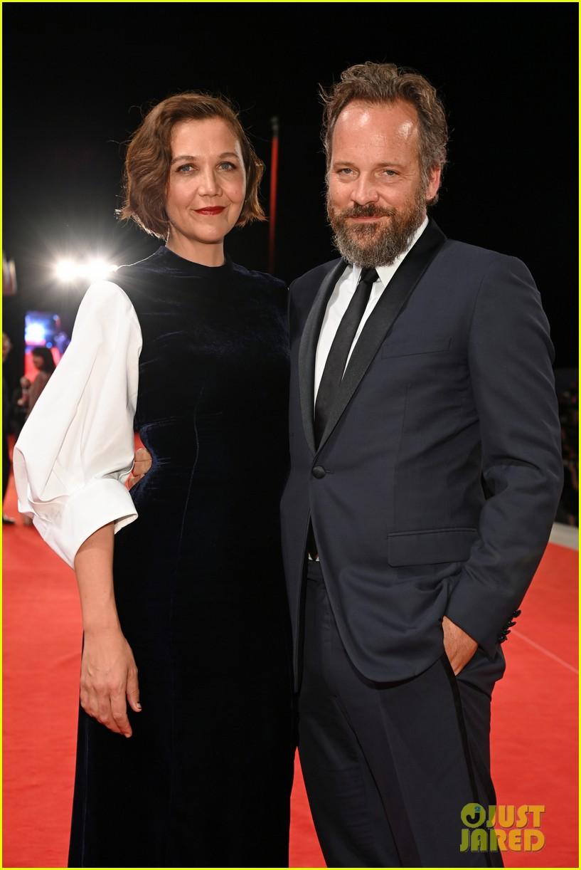 jake gyllenhaal maggie gyllenhaal venice film festival premiere 064614880