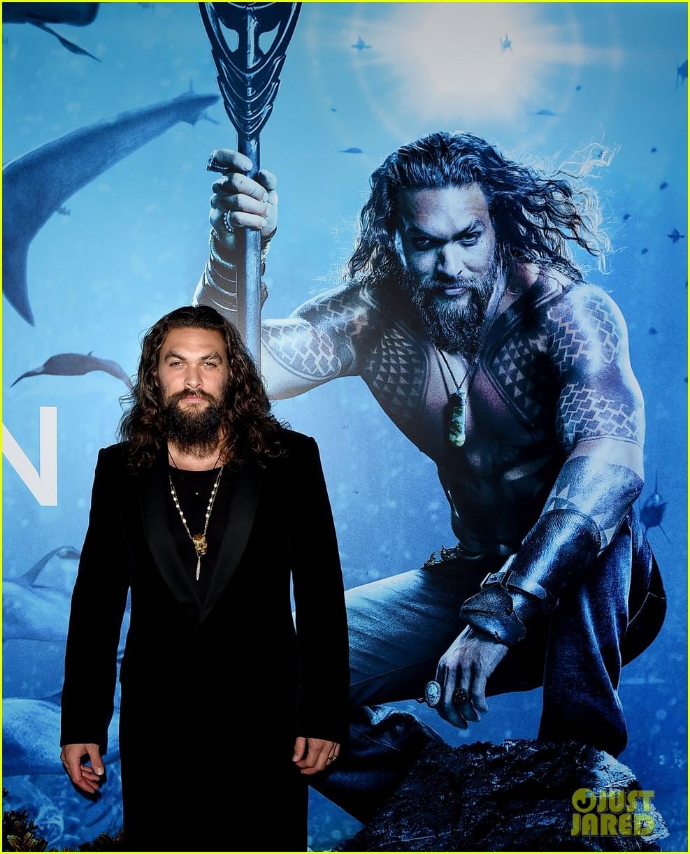 jason momoa teases new suit aquaman sequel 034616178