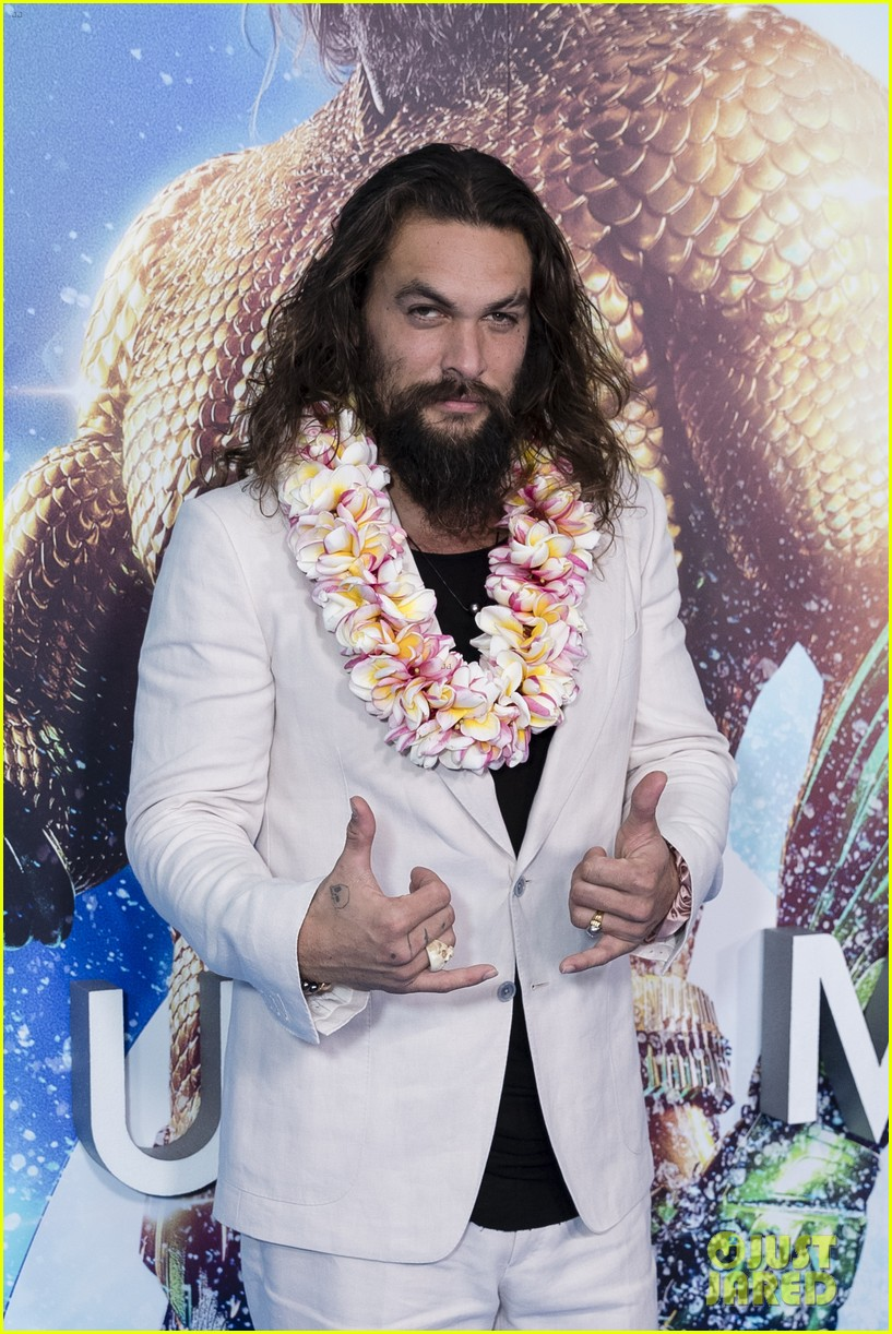 jason momoa teases new suit aquaman sequel 054616180