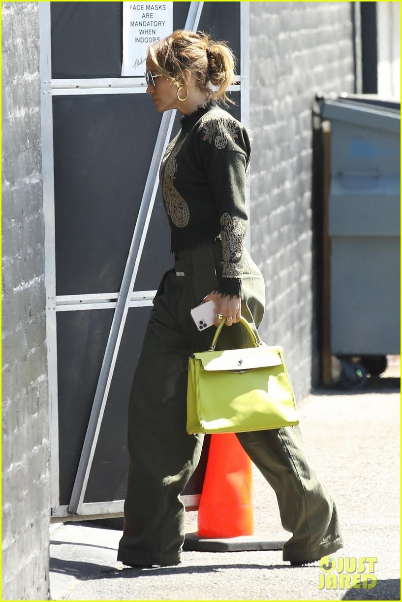 jennifer lopez lime green purse dance studio stop 194625147