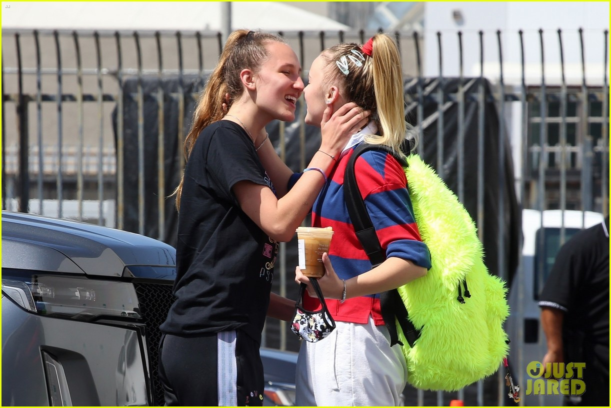 jojo siwa gets a kiss from girlfriend kylie prew after dance rehearsals 034616457