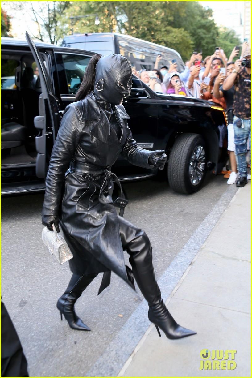 kim kardashian incognito arrival in nyc 014620417