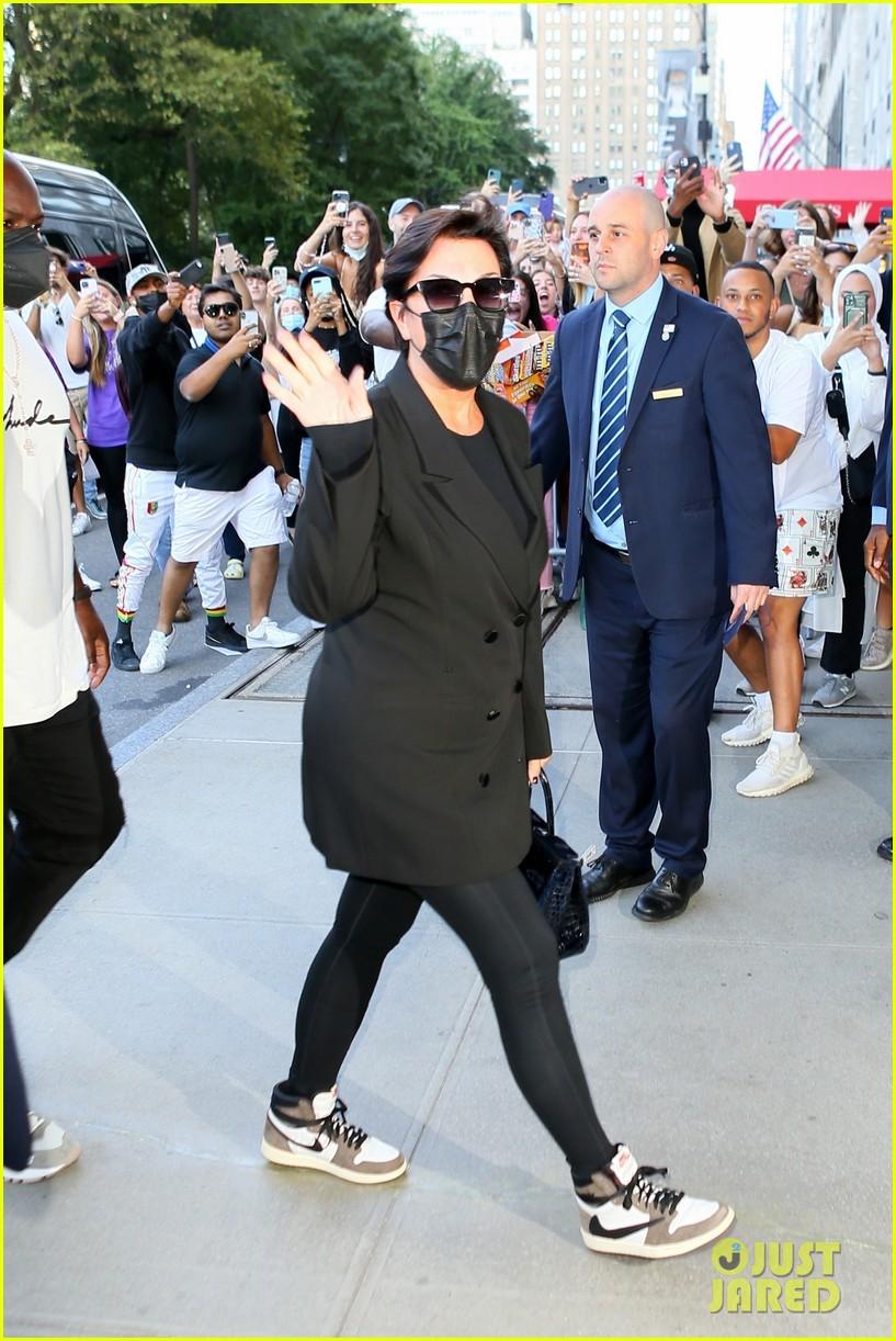 kim kardashian incognito arrival in nyc 044620420
