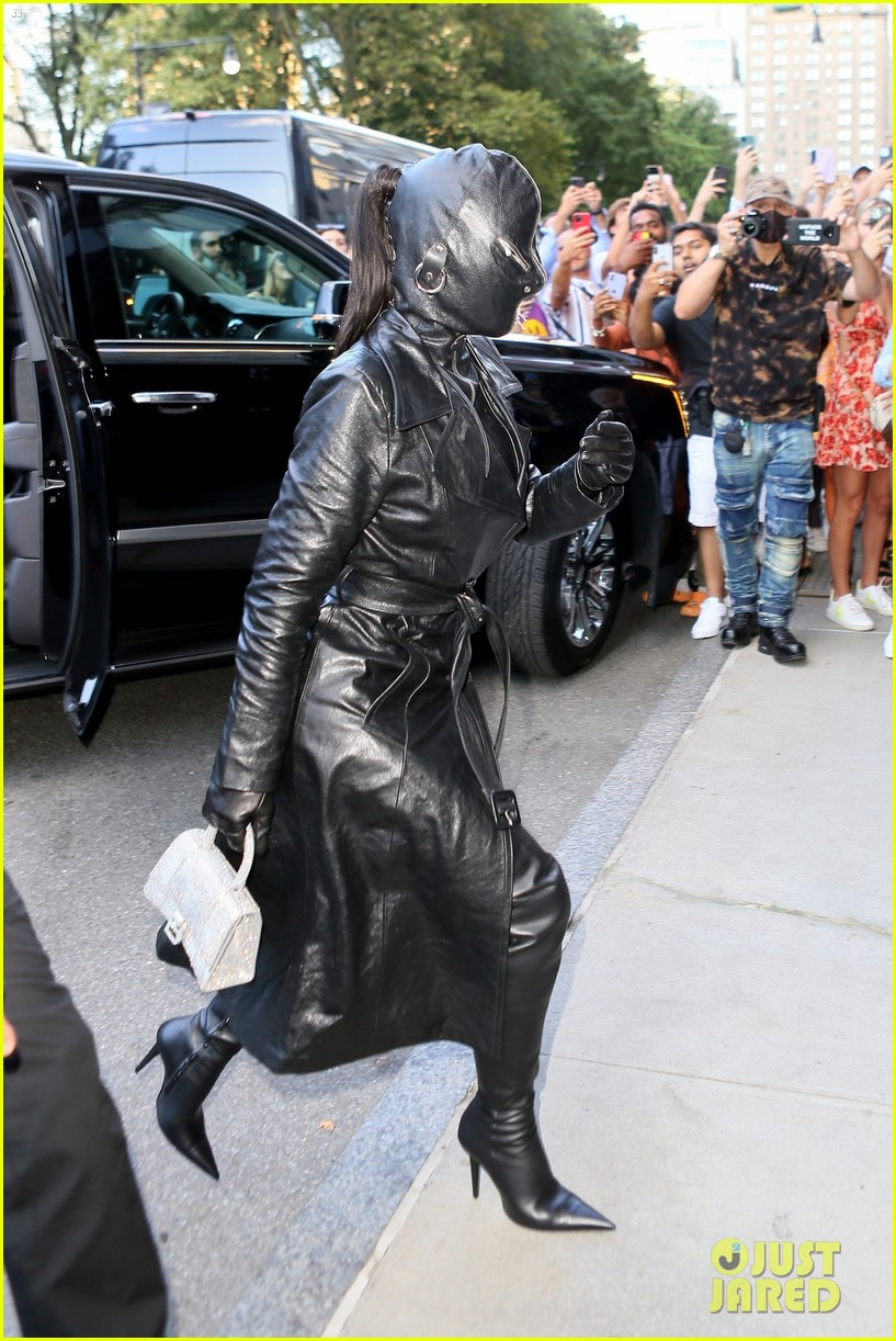 kim kardashian incognito arrival in nyc 054620421