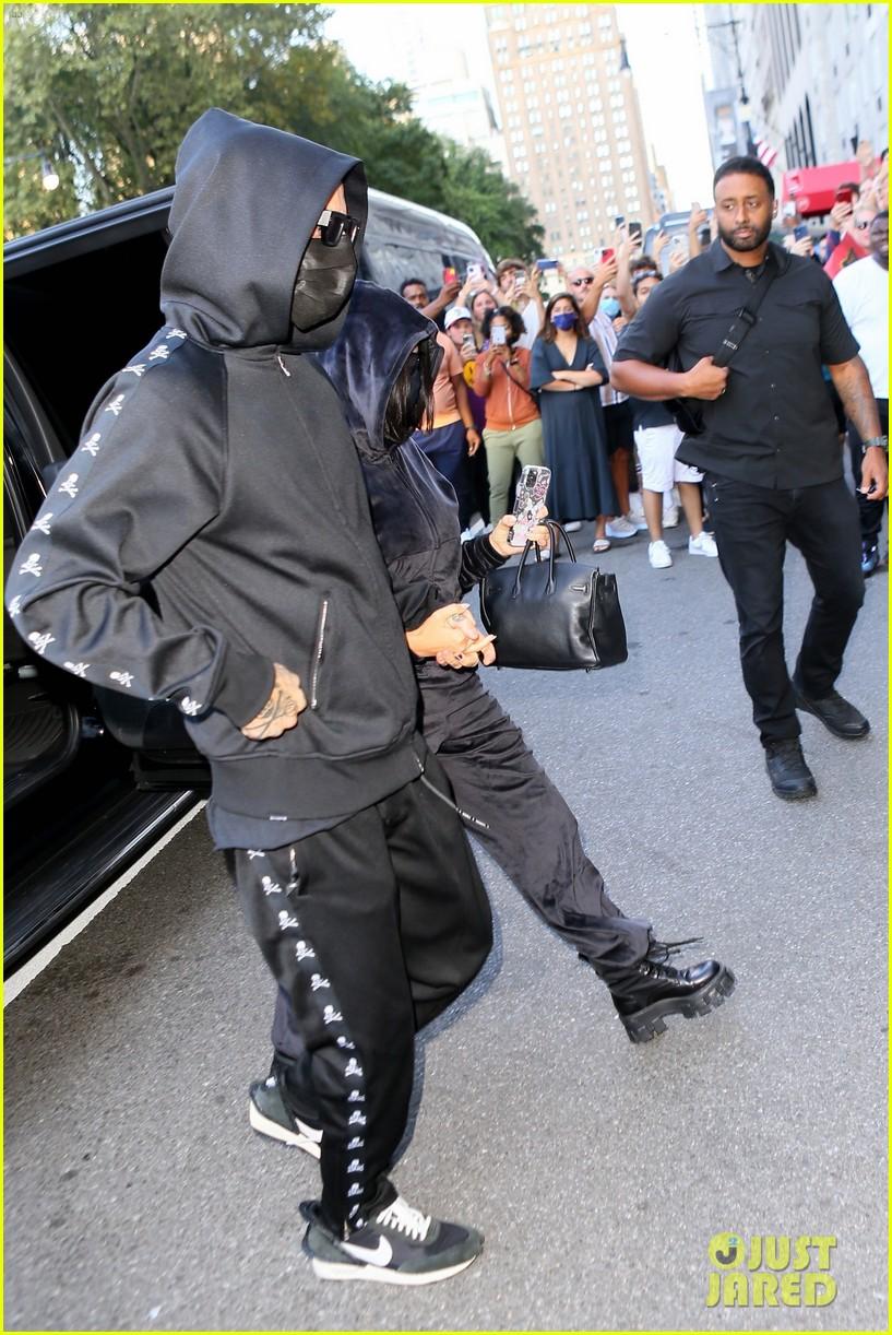 kim kardashian incognito arrival in nyc 064620422