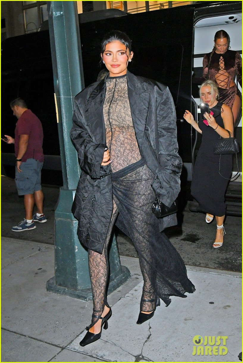 kylie jenner wears completely sheer outfit pregnant 014618487