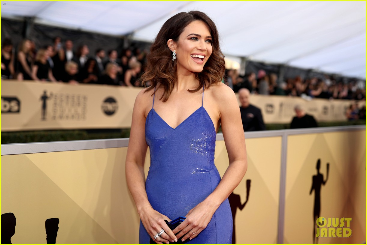 mandy moore this is us direct 054620613