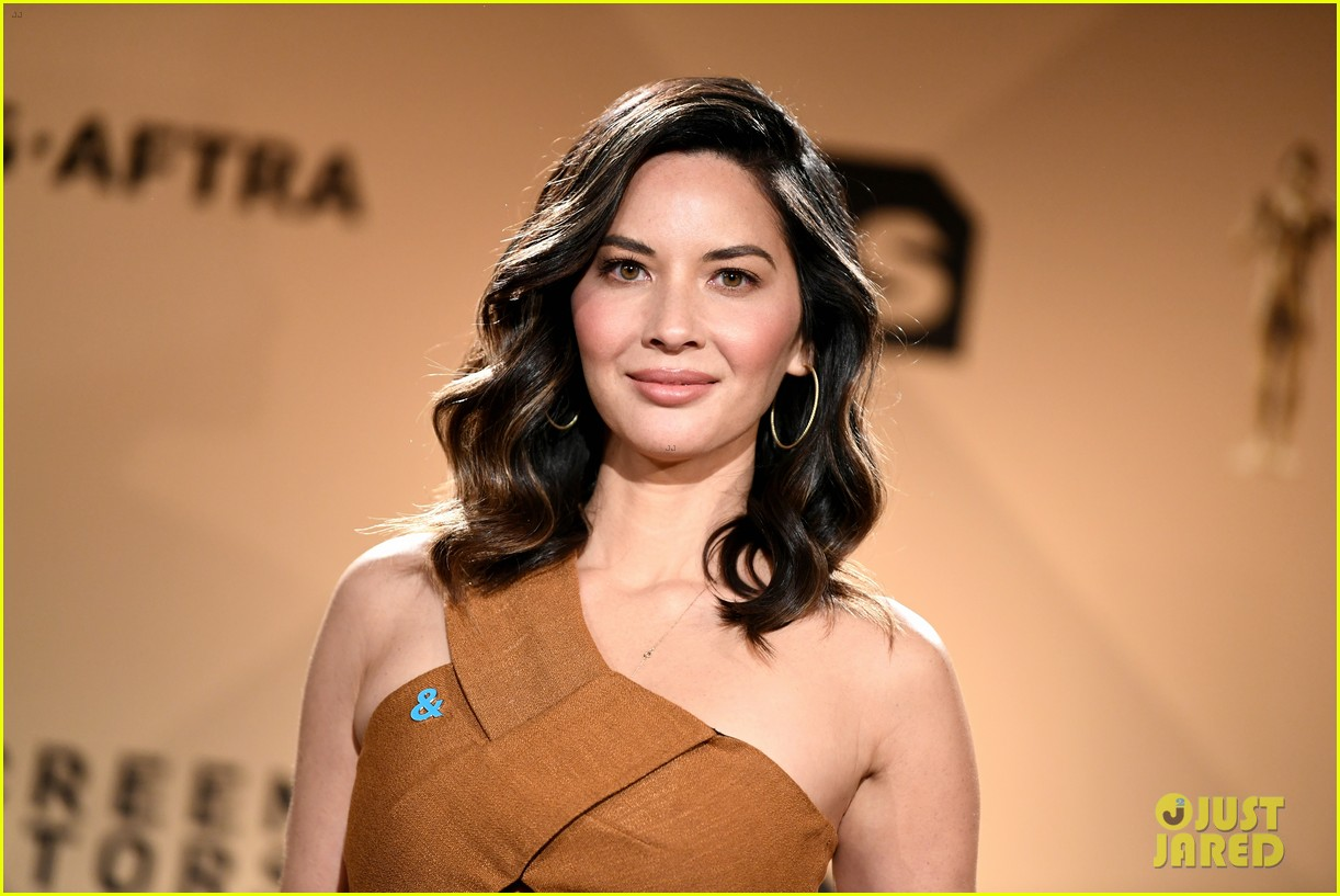 olivia munn first comments on pregnancy 074618930