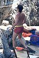 chris pine toned back muscles works on tan amalfi coast italy 05