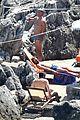 chris pine toned back muscles works on tan amalfi coast italy 38