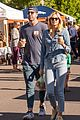 kate upton justin verlander pick up coffee outing in aspen 05