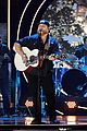 garth brooks randy travis more cmt aoty honors 37