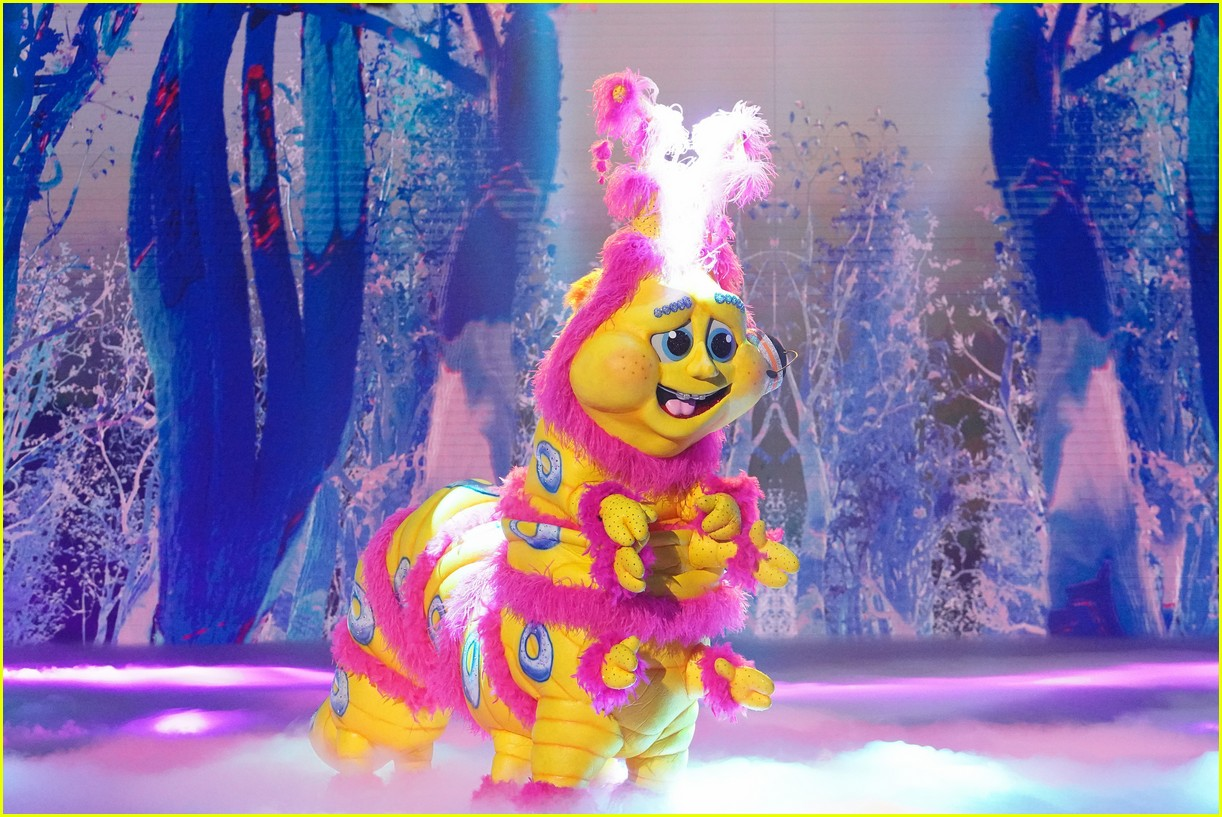 caterpillar performs on the masked singer 024643519
