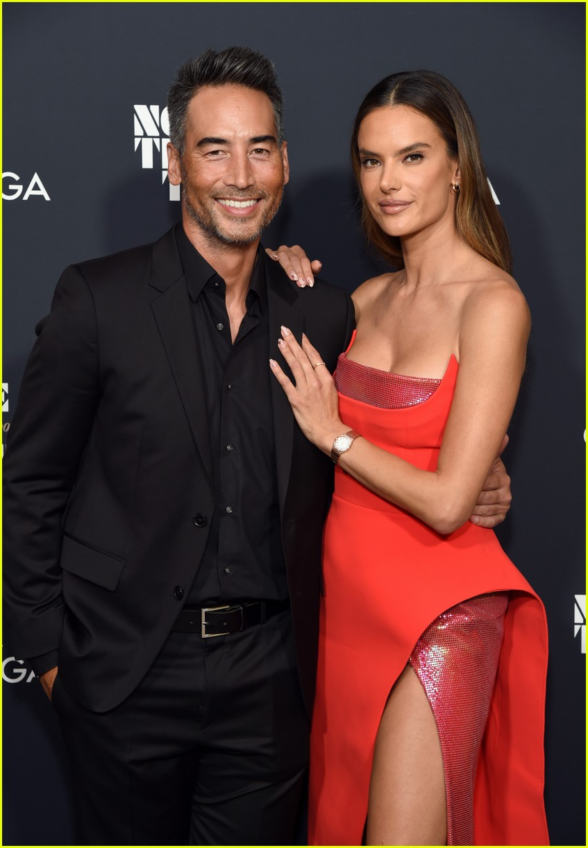 justin hartley alessandra ambrosio no time to die screening 024640784