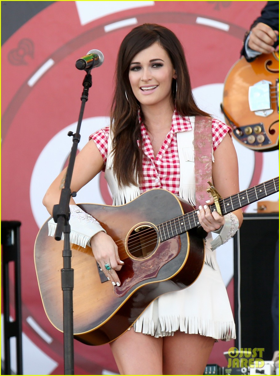 kacey musgraves reacts to grammys decision 044643953