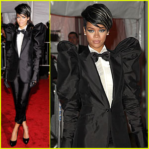 Rihanna - MET Costume Institute Gala 2009