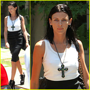 Liberty Ross Visits Lawyer's Office Sans Wedding Ring