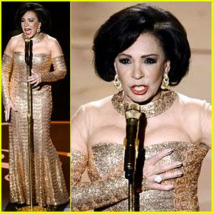 Dame Shirley Bassey: James Bond Tribute at Oscars 2013 (Video)
