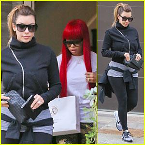 Kim Kardashian: Eyebrows Touch Up with Blac Chyna!