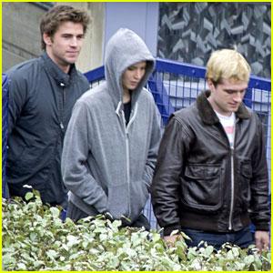 Jennifer Lawrence, Liam Hemsworth, & Josh Hutcherson Keep Close on 'Mockingjay' Paris Set!