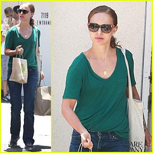 Natalie Portman Goes Green & Healthy at M Cafe!