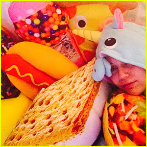 Miley Cyrus Shows Off Her Crazy Christmas Presents