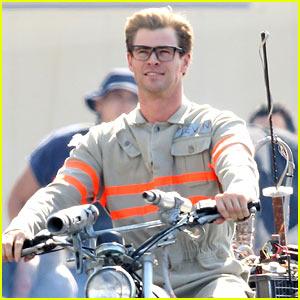 Chris Hemsworth Wears 'Ghostbusters' Costume on Set!