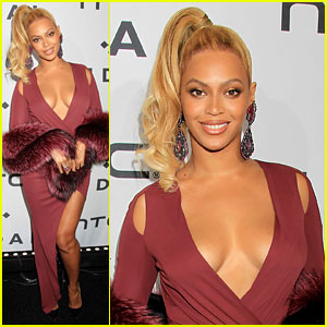 Beyonce Flaunts Cleavage in Sexy Dress at Tidal Concert!