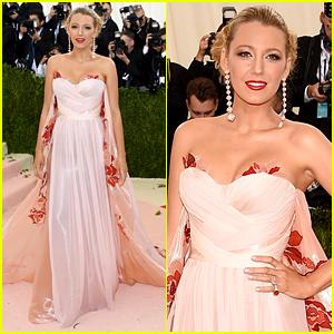 Pregnant Blake Lively Looks Stunning at Met Gala 2016!