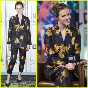 Brooklyn Decker Opens Up About Her New Company Finery!