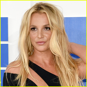 Britney Spears To Perform Toxic & Work Bitch From Las