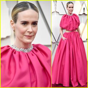 Sarah Paulson Wows in Pink at Oscars 2019!