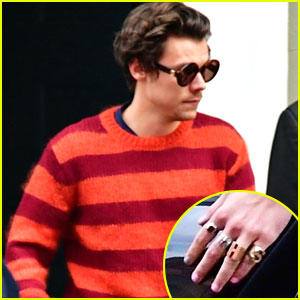 Harry Styles Wears His Initials On His Rings