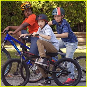 Jacob Tremblay & 'Good Boys' Stars Can't Watch Their Own Movie Trailer!