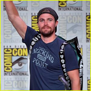 Stephen Amell & 'Arrow' Cast Tease Final Season at Comic-Con!