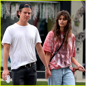 Taylor Hill Holds Hands with New Boyfriend Daniel Fryer in L.A.