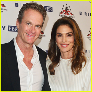 Cindy Crawford & Rande Gerber Celebrate 22nd Wedding Anniversary with Cake Made by Daughter Kaia!