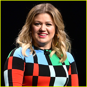 Kelly Clarkson's Priority Is Making Sure Her Kids Grow Up in 'Stable, Loving Environment'