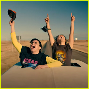 Haley Lu Richardson & Barbie Ferreira Go On A Road Trip in HBO Max's 'Unpregnant'