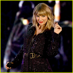 Taylor Swift's 'folklore' Stays at No. 1 for a Fourth Week on Billboard 200!