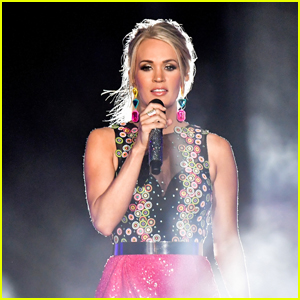 Carrie Underwood Christmas Special Coming to HBO Max!
