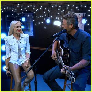 Gwen Stefani & Blake Shelton Perform New Song On a Green Screen at ACM Awards 2020